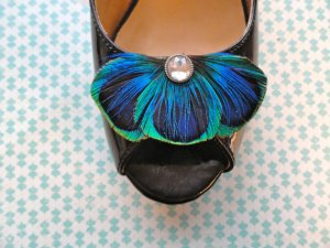 Lucyohlucy Baley Blue Peacock Feather Shoe Clips
