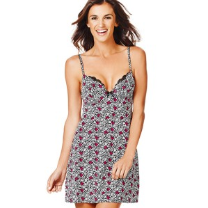 Valentia Barberry with Black Hearts + Daisies Chemise